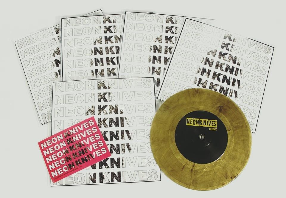 Neon Knives - st 7'' (black/gold vinyl)